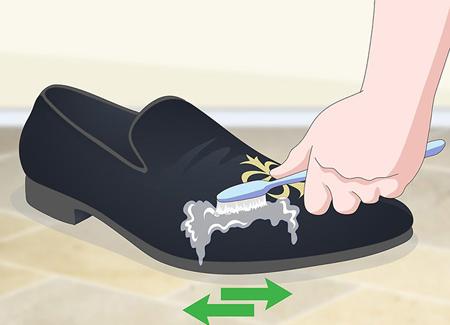 تميز کردن کفش مخمل از گرد و غبار,نحوه تميز کردن کفش مخمل