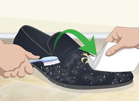نحوه تميز کردن لکه هاي کفش مخمل, شستشوي کفش مخمل