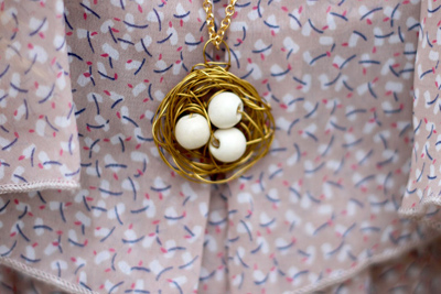 [تصویر:  make1-pigeon2-nest-necklace1.jpg]