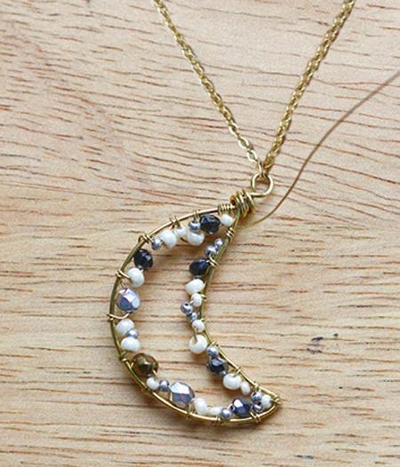[تصویر:  making3-necklace2-bead1.jpg]