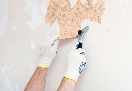کندن کاغذ دیواری از روی دیوار,از بین بردن چسب های باقیمانده روی دیوار