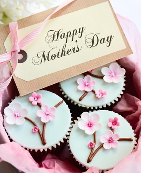 کیک های ویژه روز مادر, تزیینات کیک روز مادر