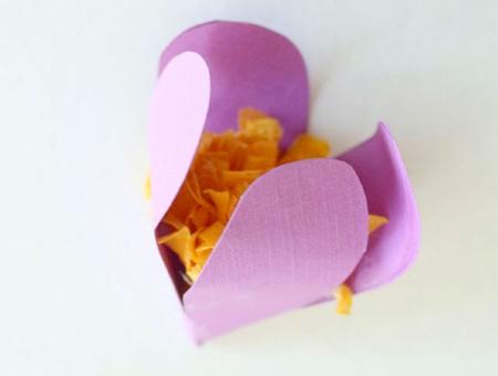 [تصویر:  paper-flower-pendant10.jpg]