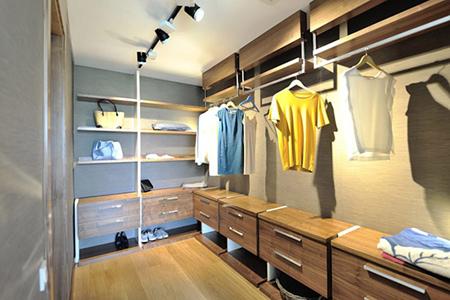 راههای آسان برای مرتب کردن کمد لباس,راههای مرتب کردن کمد لباس
