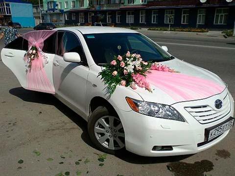 ماشین عروس,گل ماشین عروس,تزئین ماشین عروس با پاپیون