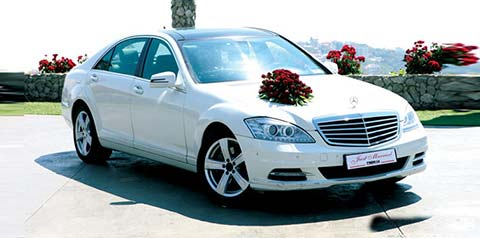 تزیین ماشین عروس,ماشین عروس,گل آرایی ماشین عروس