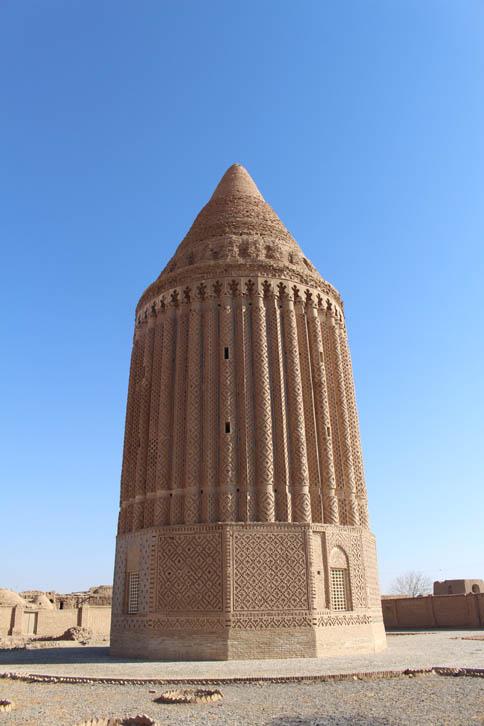 برج علی آباد کشمر,برج علی آباد,مکان های تاریخی ایران