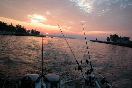 تفریحات آبی کیش,تفریحات جزیره کیش,ماهیگیری در جزیره کیش