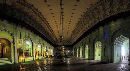 حسینیه آصفی,تصاویر حسینیه آصفی در هند,عکس های حسینیه آصفی