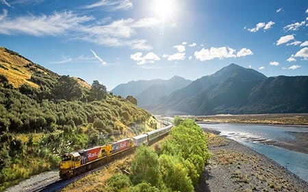 [تصویر:  beautiful-trains-world28.jpg]