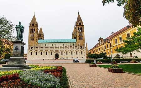 کلیسای جامع سنت پیتر,کلیسای جامع سنت پیتر در مجارستان,عکس های کلیسای جامع سنت پیتر