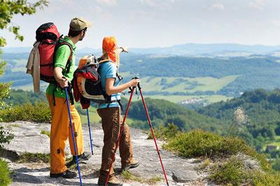 در چه سفرهایی باید از باتوم کوهنوردی استفاده کنیم؟