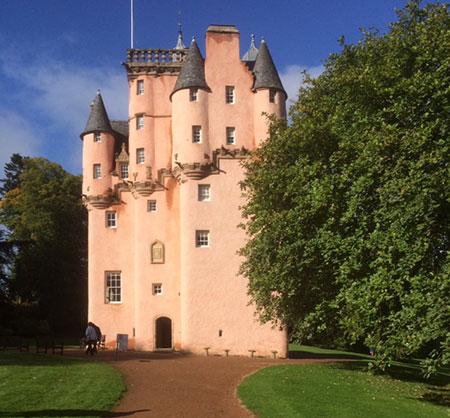 قلعه کرایژیوار,عکس های قلعه کرایژیوار,قلعه کرایژیوار در اسکاتلند