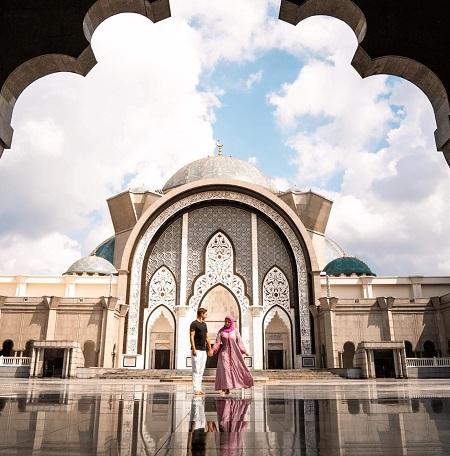 مسجد فدرال در شهر کوالالامپور, امکانات  مسجد فدرال, معماری مسجد فدرال