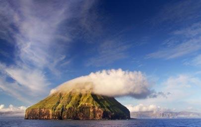 لایتلا دایمون,جزیره ای باتاجی از ابر,جزیره لایتلا دایمون