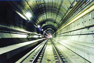 تونل,عجیب ترین تونل های جهان,شگفتانگیزترین تونلهای جهان,تونل لائردال