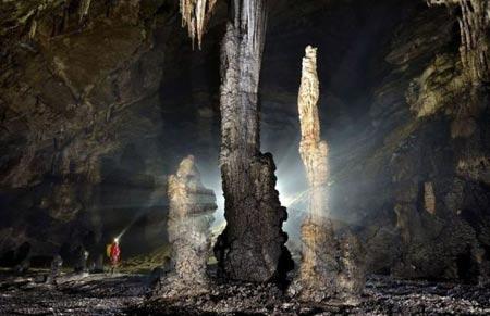 غار ار وانگ دانگ,عکس های غار ار وانگ دانگ,غار ار وانگ دانگ در چین