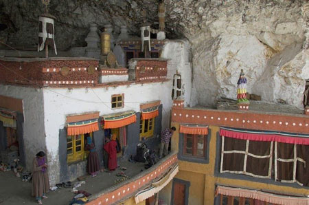 صومعه,صومعه پوکتال ,تصاویر صومعه پوکتال
