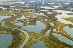 رودخانه ای که در زمستان تبدیل به جاده میشود+عکس