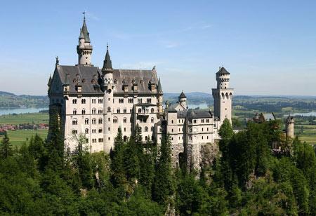 قصر نُویشوانشتَین آلمان (+تصاویر)