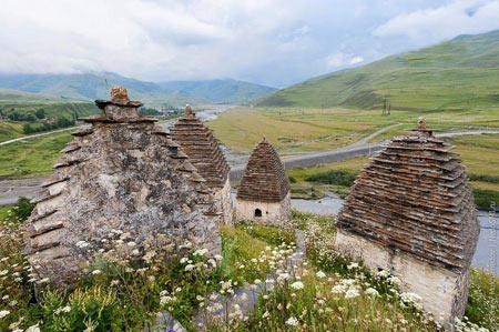 شهر مردگان,گورستانی باستانی در روسیه,دیدنیهای روسیه