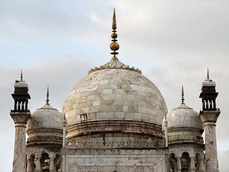 مقبره بیبی کا در هند,آرامگاه بی بی کا در هند,مکانهای تاریخی هند