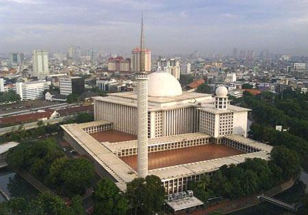 مسجد,بزرگترین مسجد جهان,مسجد استقلال در اندونزی