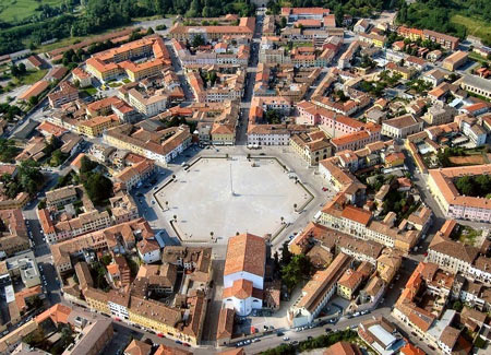 شهر پالمانوا,تصاویر شهر پالمانوا,شهر قرون وسطایی پالمانوا