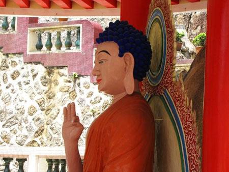 مکانهای دیدنی مالزی, معبد کک لوک سی, معابد بودایی