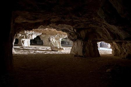 زیباترین غار مصنوعی ایران,غار سنگ تراشان,غار سنگ شکن