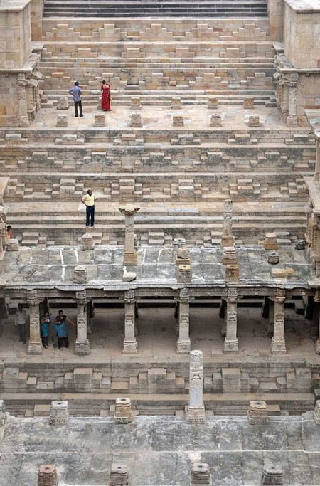 بنای تاریخی رانی-کی-واو,آب انبار Rani Ki Vav,بزرگترین آب انبار جهان