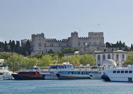 کاخ استاد بزرگ شوالیه در یونان (+تصاویر)
