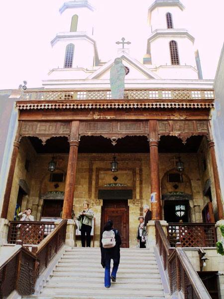 مکانهای زیارتی, كليساي معلق, كليساي معلق در مصر