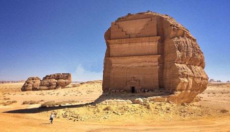 قلعه تنهایی,قصر آل فرید,قلعه تنهایی در عربستان