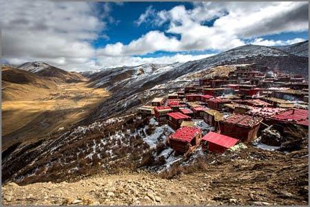 مدرسه بودایی,بزرگترین مدرسه بودایی در چین,چین