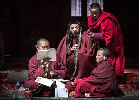 مدرسه بودایی در چین,تصاویر مدرسه بودایی, بزرگترین مدرسه بودایی در چین