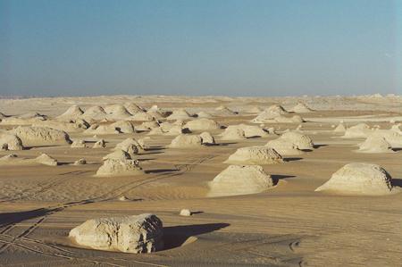 hhi4238 white desert - مصر در شمال شرقی آفریقا
