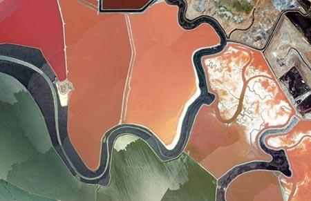 استخرهای رنگارنگ نمک,دیدنی های خلیج سان فرانسیسکو,دیدنی های جهان