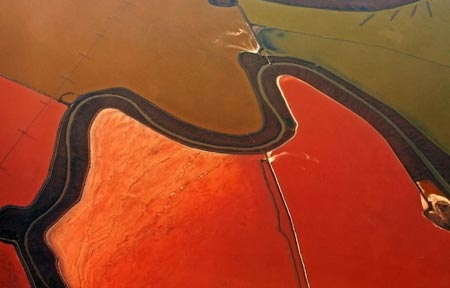 استخرهای رنگارنگ نمک,عجایب طبیعت,تصاویر فرآیند تولید نمک