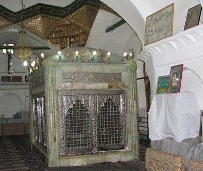 مرقد امامزاده پیرعمر,امامزاده پیرعمر,امامزاده پیرعمر در سنندج