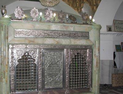 امامزاده پیرعمر, مکانهای زیارتی سنندج, امامزاده پیرعمر در سنندج