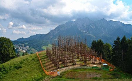 کلیسای درختی,کلیسای درختی در ایتالیا,کلیساهای عجیب و غریب