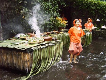 رستوران های عجیب,رستوران آبشار ویلا اسکودرو,رستوران ویلا اسکودرو در فیلیپین