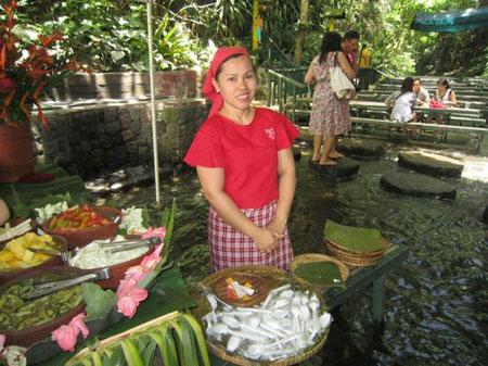 رستوران آبشار ویلا اسکودرو,رستوران,رستوران ویلا اسکودرو در فیلیپین