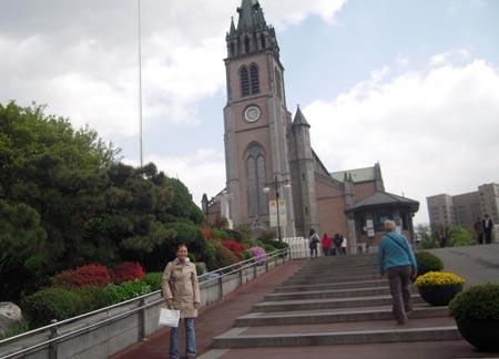 کلیسای جامع میئونگداگ,عکس های کلیسای میئونگداگ در کره جنوبی,مکانهای دیدنی کره جنوبی