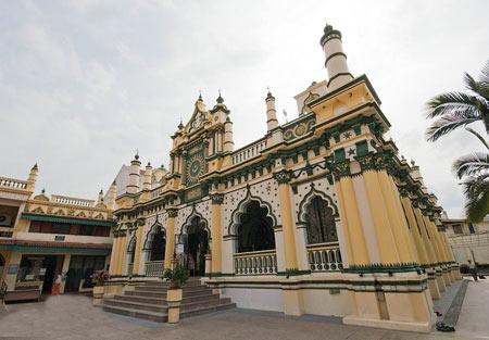 مسجد عبدالغفور در سنگاپور,مسجد عبدالغفور,مکانهای دیدنی سنگاپور