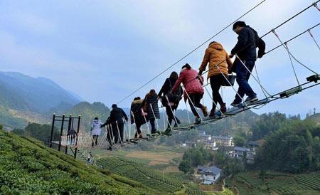 پل, پل معلق, مکانهای دیدنی چین