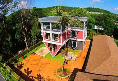 بان تیلانکا, خانه وارونه, خانه وارونه در جزیره پوکت