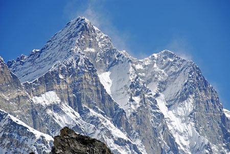 جاذبه های طبیعی شگفتانگيز,قله اورست, جاذبه های گردشگری