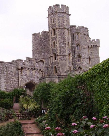 قلعه ویندسور در شهرستان برکشر, تاریخچه قلعه ویندسور, قلعه ویندسو